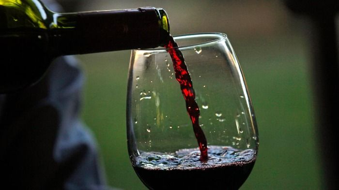 Rotwein gegen Corona